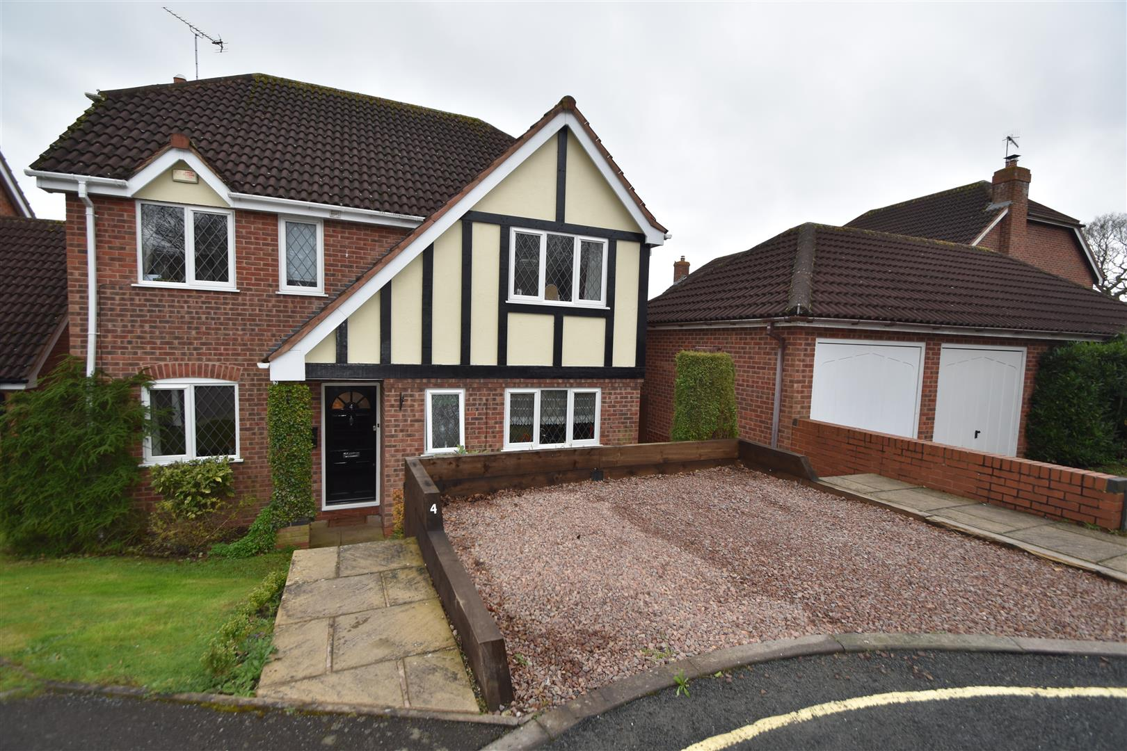 4 Bedrooms Property for sale in Viewfields, Worcester